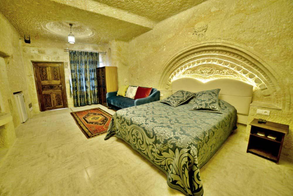 205 Honeymoon Room
