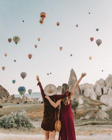 Balloon-watching-Cappadocia