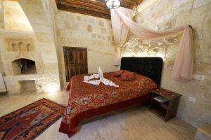 305 Honeymoon Room